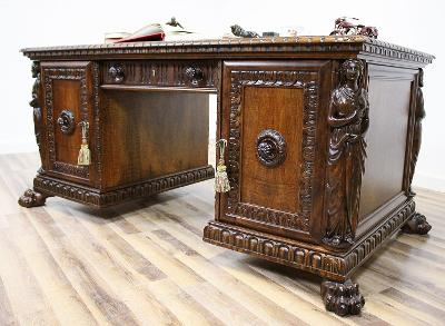 Starožitný neorenesanční psací stůl na tlapách VIP