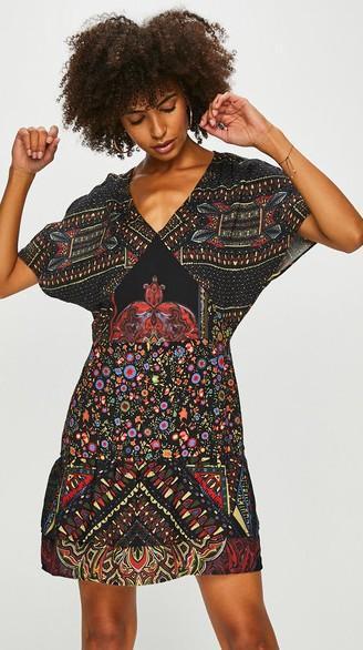DESIGUAL VEST_Gina  krásné luxusní šaty/ 40 m /nové 1,-
