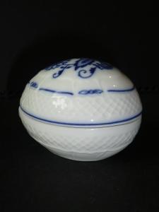 CIBULÁK, VAJÍČKO --- NÁDHERNÁ DÓZA, značeno porcelánka RGK - Loučky