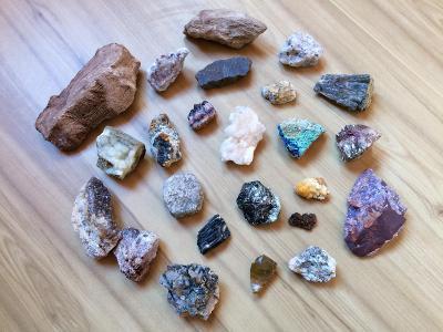 Mix minerálů
