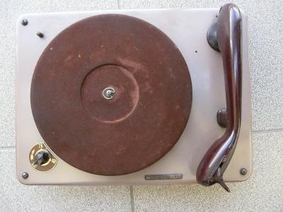 Šasi gramofonu SUPRAPHON