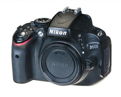 Digitální zrcadlovka Nikon D5100