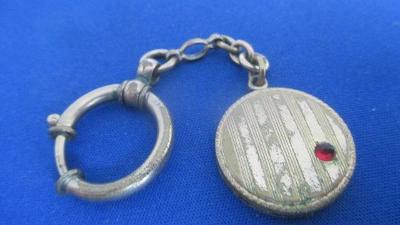 Secesní přívěsek šatlén na kapesní hodinky