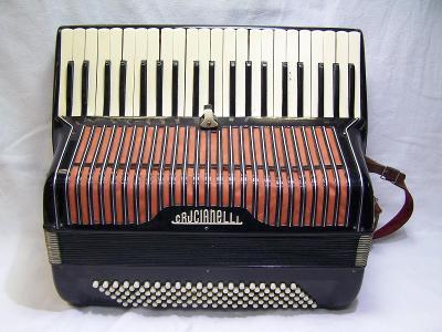 Harmonika zn. Crucianelli - piano Akordeon !!!!