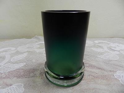 Zajímavá broušená Autorská Váza Čechy barva zelená