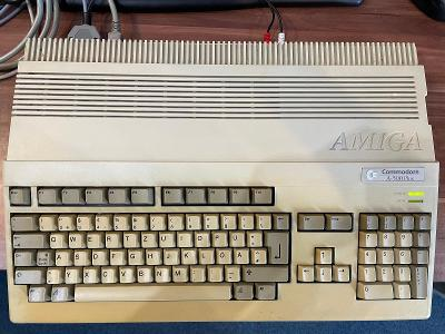 Amiga 500, zdroj od 1,- Kč