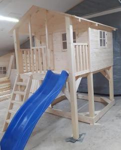 Domeček pro děti dřevěný Junior