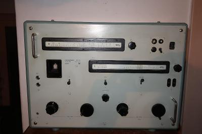 Měřič frekvence typ 121 b