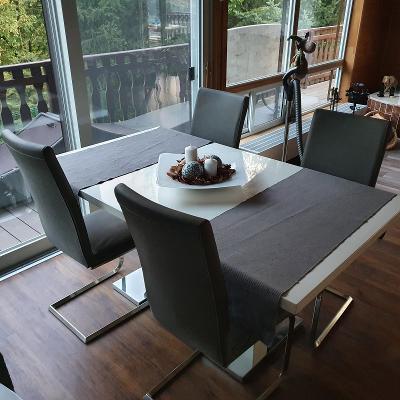Jídelní stůl, 4 židle