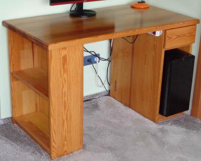 Psací stůl (borovice)