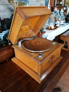 St. gramofon THORENS