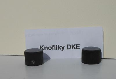 DKE 38 . Knoflíky na staré bakelitové rádio