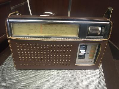 Prodám tranzistorové rádio National Panasonic R 312