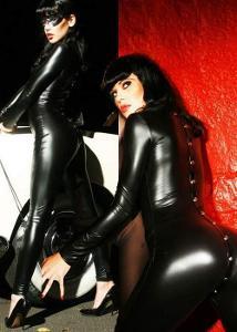 Sexy černý wet-look catsuit s patentky X648