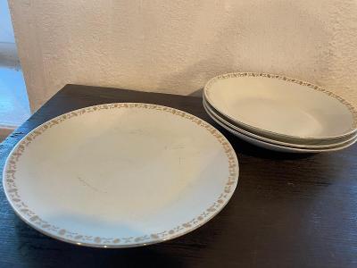 4 staré porcelánové talíře značeno Czechoslovakia, 1x mělký 3x hluboký