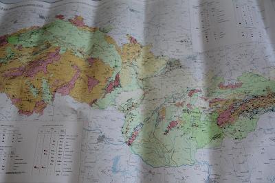 Mapa ložisek nerostných surovin ČSSR měř. 1:1000000 1966  VÍC V POPISU