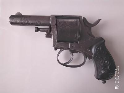 Starožitný revolver BRITISH BULL DOG