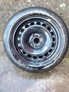 Zimní pneu 205/55R16 na discich 6Jx16