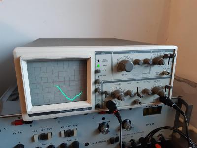Osciloskop Goldstar OS-9020A 20MHz se dvěma sondami UT-P01 25MHz