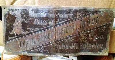 TUDOR - TOVÁRNA AKUMULÁTORŮ - stará mosazná cedulka
