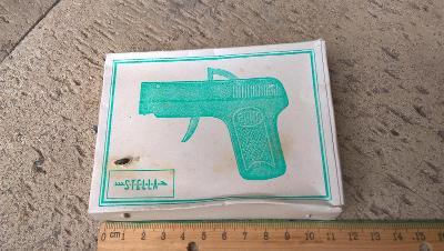 pistole na kapsle STELA  S KRABIČKOU