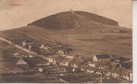Klatovy, celkový pohled na město, v pozadí Hůrka s