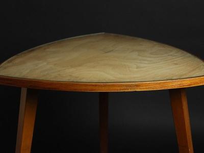 Dřevěný konferenční stolek se sklem 50.léta
