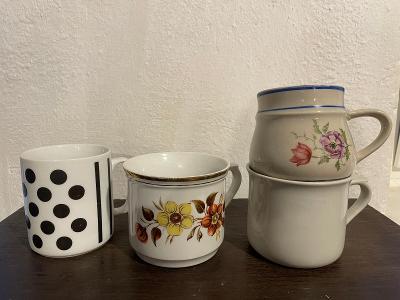 4 staré pořádné hrnky cca 0,5l každý - porcelán značeno Czechoslovakia
