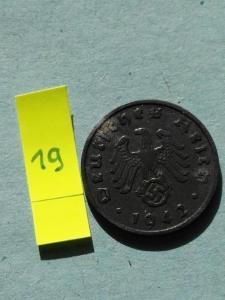 stará mince válečný pfennig ruzný stavy.. pouze česká rep.