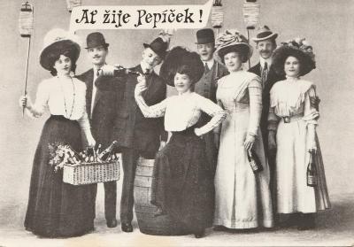Ať žije Josef - Ženy,květy a muži černobíle 4x(retro)