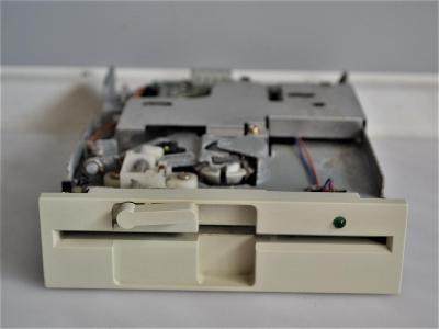 "5,25"" disketová mechanika Panasonic JU-475-5"