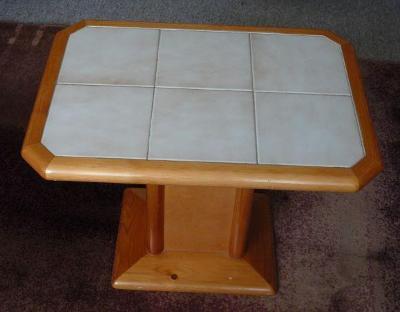 Konferenční stolek , dřevo s keramickou plochou