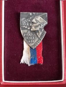 Sokolský odznak starý velký Sokol Jugoslavija 1938 X Slet, ČSR v Etui
