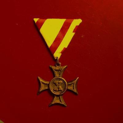 František Josef I ,bronzový Kříž X Let,1.-třída , Rakousko-Uhersko