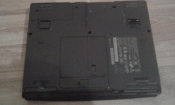 starý notebook COMPAQ ARMADA  1700 - Historické počítače