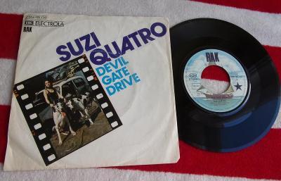 💥SP: SUZI QUATRO - DEVIL GATE DRIVE / IN THE MORN jako nová NM 1press