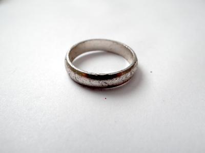 Prstýnek z pouti, obecný kov, vnitřní průměr 1,95 cm