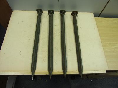 Staré vojenské stanové železné kolíky 4ks ČSLA