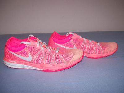 Sportovní obuv dámská  NIKE   - č. 40