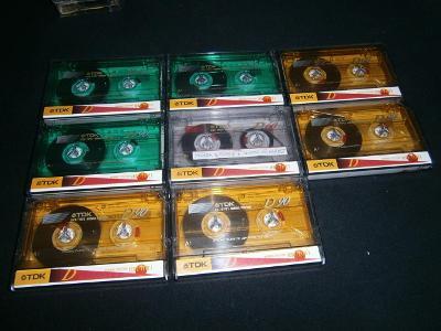 MC sada kazet TDK barevné - 8 kusů