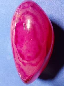 Achát červený valoun 134 gramů,70mm, A011