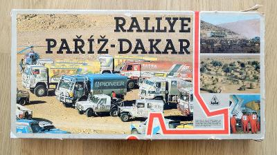 TOFA stará retro hra Rallye Paříž Dakar , retro stolní hra