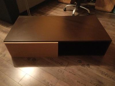 Konferenční stůl + taburet (ceny v textu)