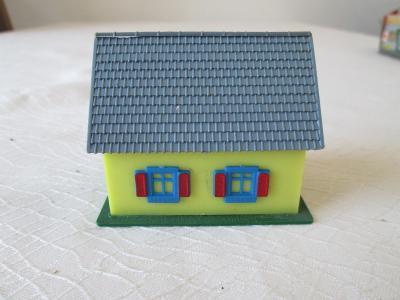 Domeček, rakouská výroba.