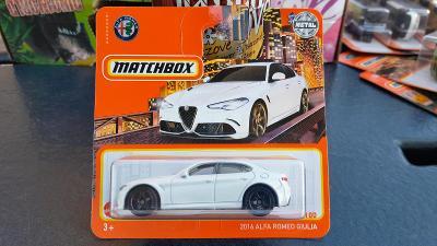 Matchbox Alfa Romeo Giulia bílá 2021 NOVINKA