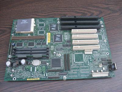 Starý počítač INTEL Pentium I - 133Mhz -základní deska, RAM + procesor