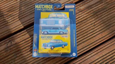 Matchbox Mercedes Benz 220 SE modry Superfast  mint stav