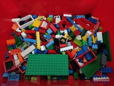 LEGO 5582 Box dílku (1,3KG)