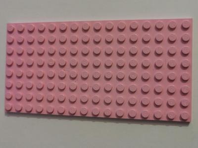 Lego dílky 16x8