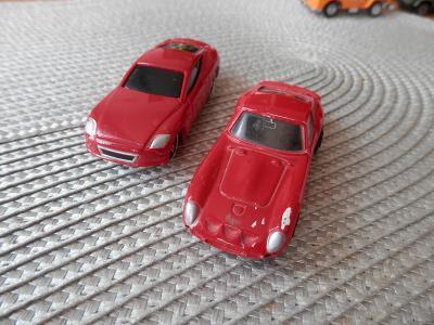 2 x Ferrari  Maisto